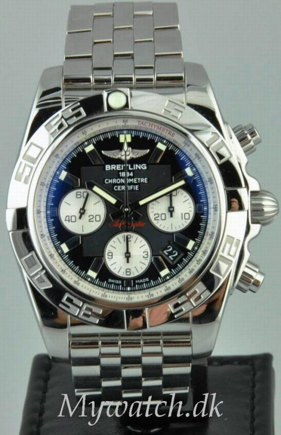 Solgt - Breitling B01 automatic - 12/2009-0