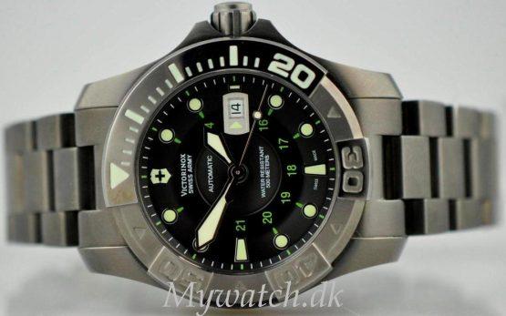 Solgt - Victorinox 500 mtr. diver Mecha. 5/2011-24463